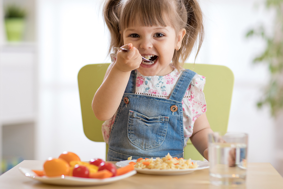 Bambini A Tavola Le 5 Regole Da Seguire Globo Giocattoli